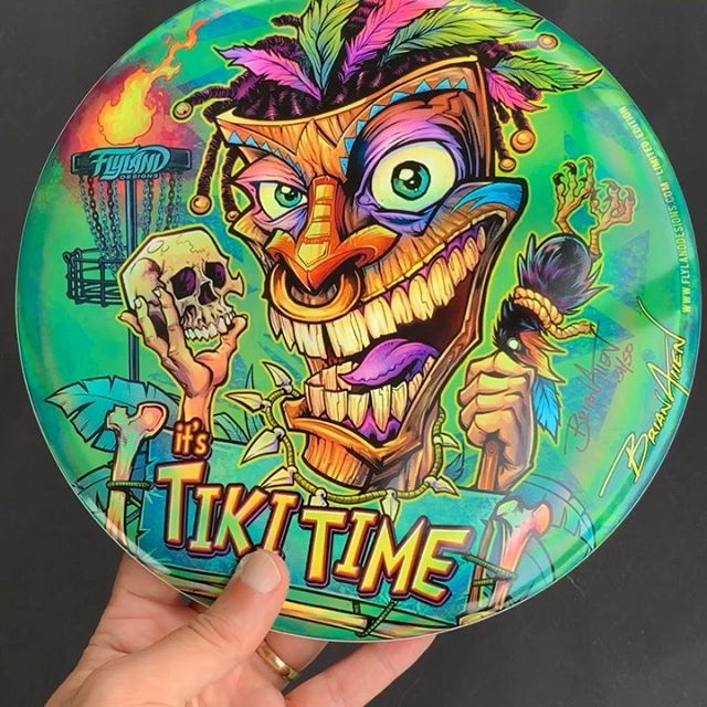 My Tiki discs had just arrived from Discraft! Love how they turned out. The colors are super bright on the metallic foil.• Only 50 ever printed• Metallic Foil• Discraft Buzzz disc• Signed and Numbered by me!• Each one is hugged for 15 seconds• Grab one: https://www.flylanddesigns.com/shop/#discgolf #frisbeegolf #discraftdiscs #teamdiscraft #detroitdisccompany #disc#tikiart #tikibar #beachart #tikitotem #surfart #tikiartist #beach